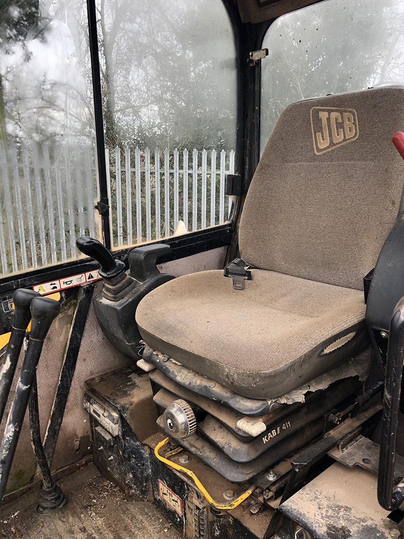 JCB 8060 excavator 5